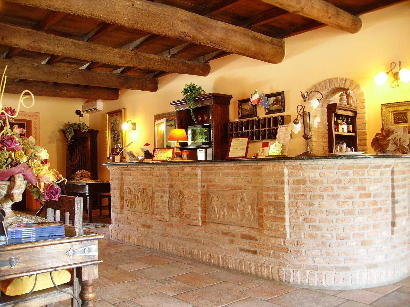 Hotel_Antico_Casale_Ferrara_Reception
